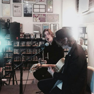 Acoustic Catfish And The Bottlemen