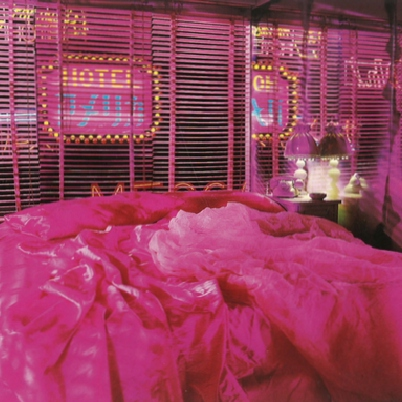 there's something about pink bedspreads