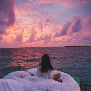 pink sunsets & blue oceans